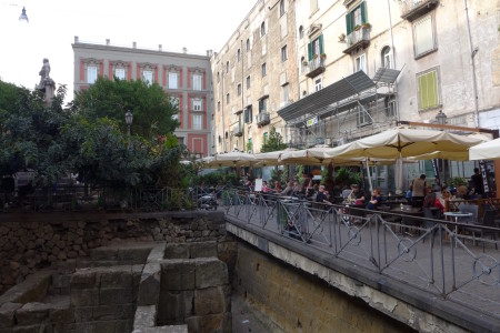 Piazza Bellini. Ruins and Restaurants.