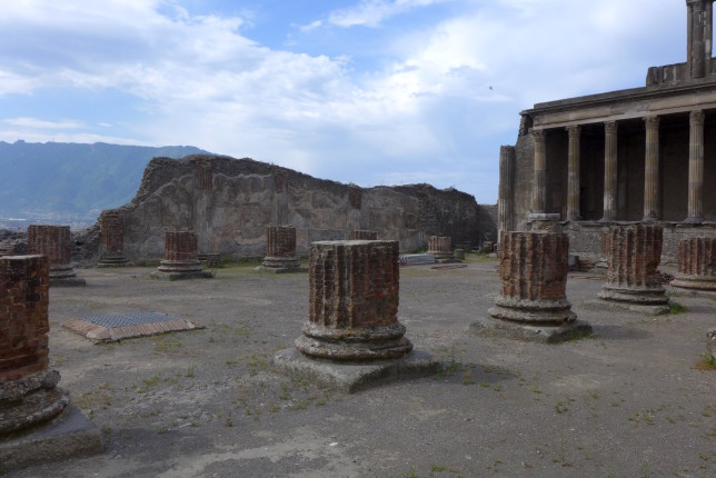 These pillars aren't ruined, they were unfinished when Vesuvius erupted.