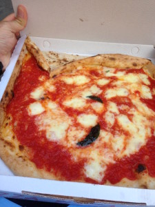 Delicious pizza margherita from Di Matteo. And for only €3!
