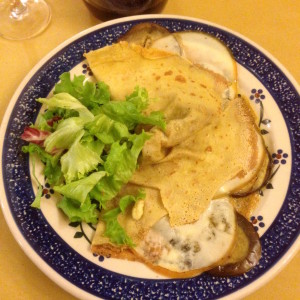 Crepe with eggplant and scamorza